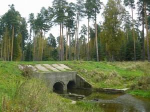 Плотина запруды на р. Серебрянка, современный вид